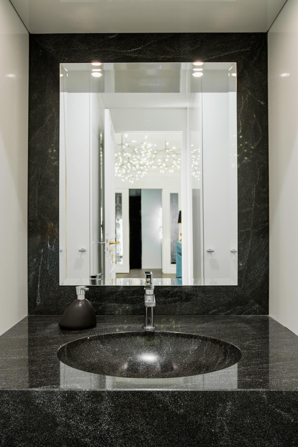 bad ideen f r klassisches marmorbad b der sinnlich. Black Bedroom Furniture Sets. Home Design Ideas