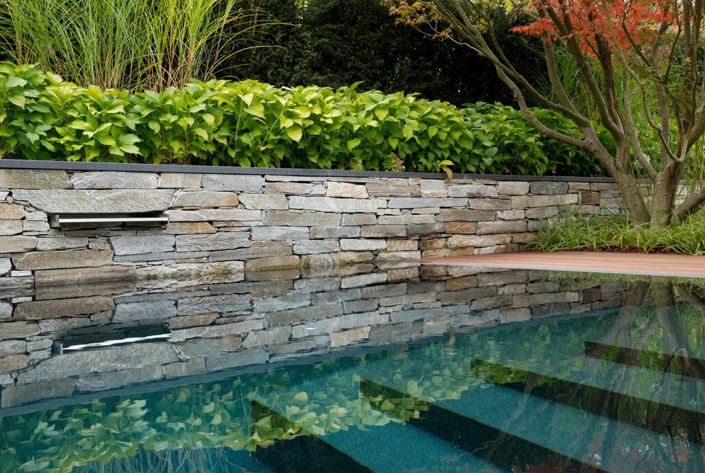 Gartenpool ein bijou aus natursteinen schwimmb der for Gartenpool 4