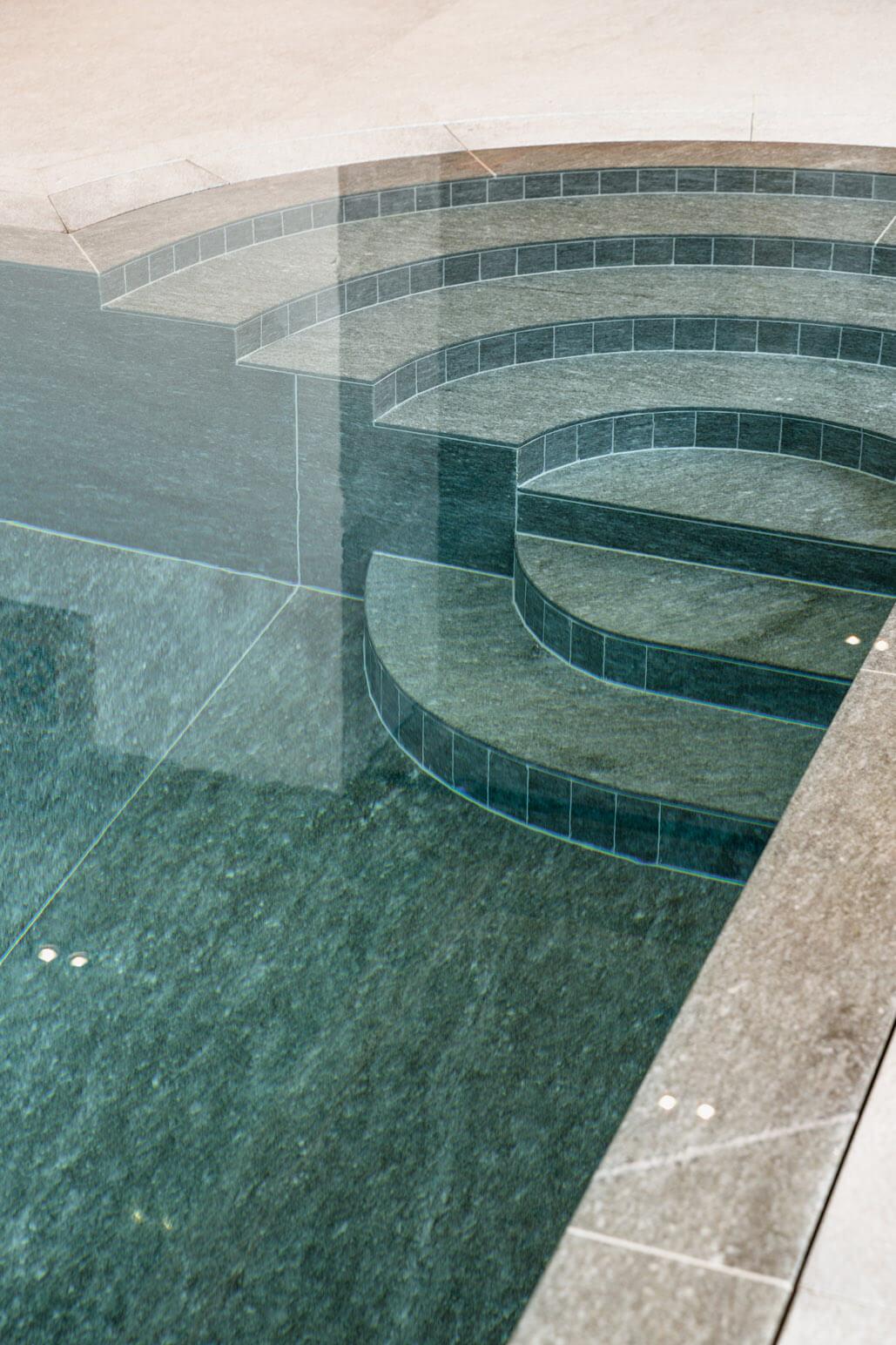 Naturstein pool im chalet schwimmb der sinnlich natursteinarbeiten - Naturstein pool ...