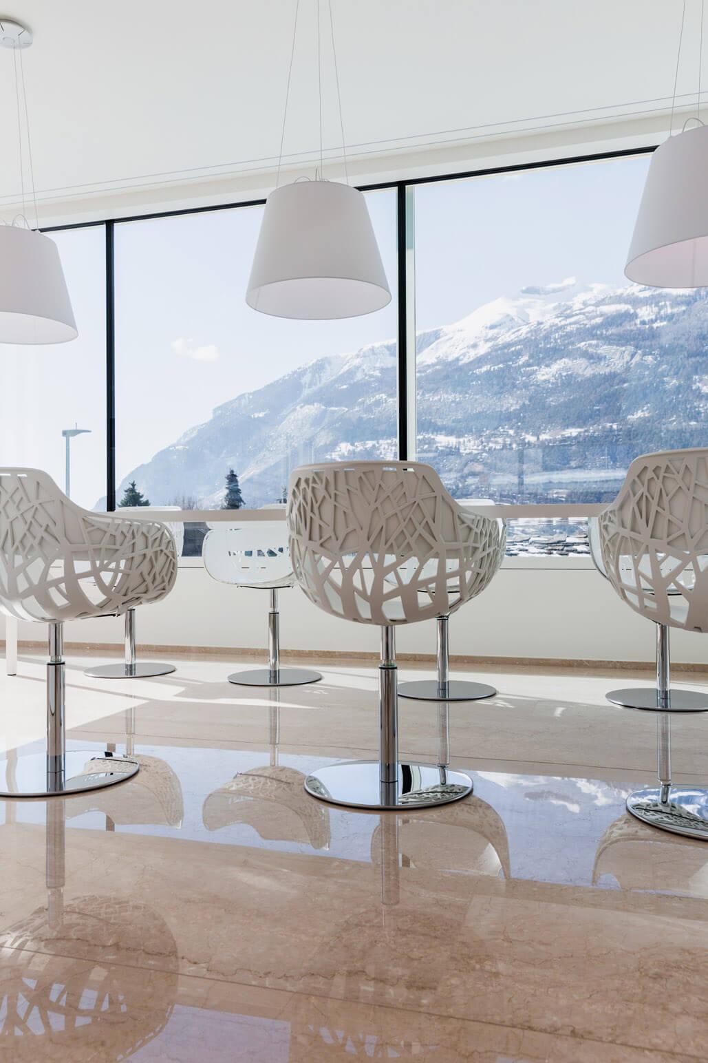 bodenbelag in klassischem marmor b den w nde zeitlos natursteinarbeiten. Black Bedroom Furniture Sets. Home Design Ideas